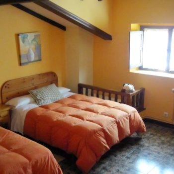 casa 6)dormitorio casa rural tres dormitorios
