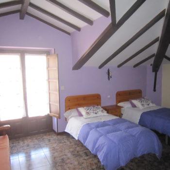 casa 6)dormitorio triple casa rual
