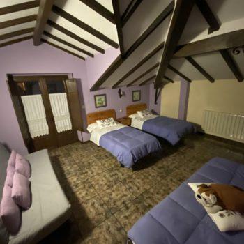 Dormitorio-triple-sofacama-casa-rural-6