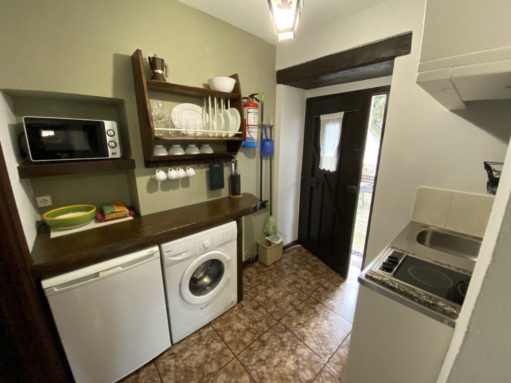 Kitchen-entrance-study-3