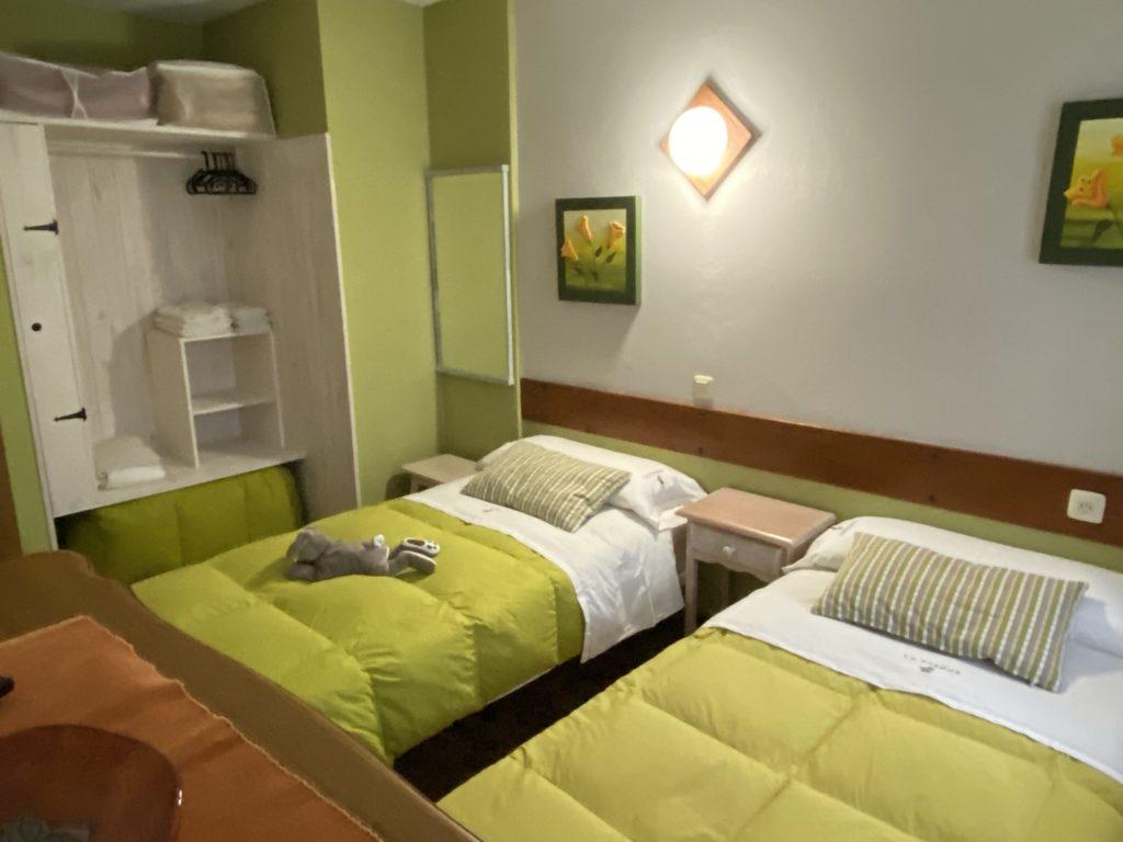 2º Doppel Schrank Schlafzimmer Hütte 7