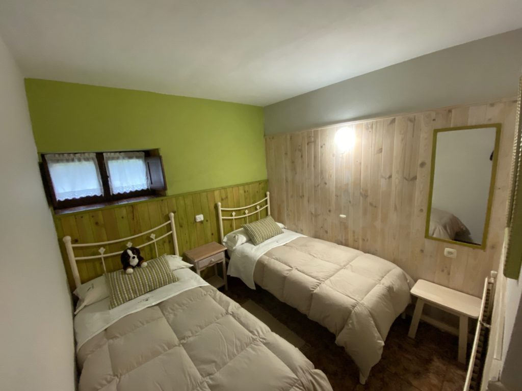 1º Double bedroom cottage 7