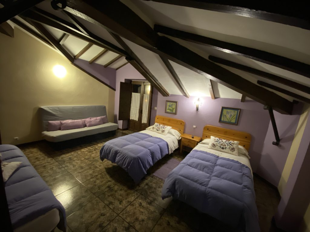 Bedroom-triple-sofacama-cottage-6
